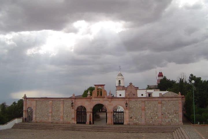 Iglesia en la cima. Foto: Flickr