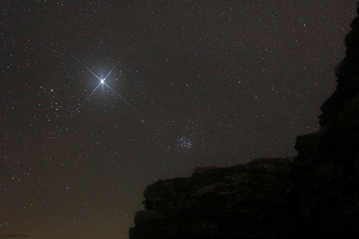 Jupiter y las Pléyades. Foto: Miguel Claro.