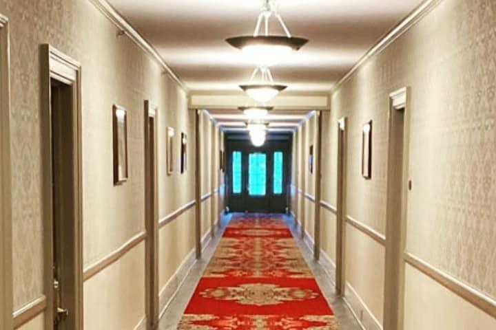 Pasillos del Hotel Timberline lodge. Foto: Archivo.