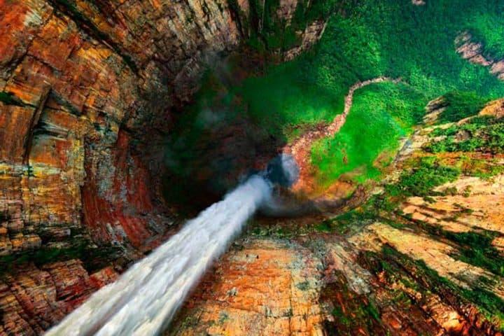 ¡Súper alta el Salto Ángel! Foto: Albadía Digital.