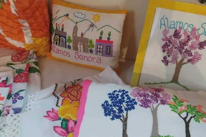Las servilletas tejidas son una de las artesanías que puedes encontrar en este mercado Foto: guerito2303