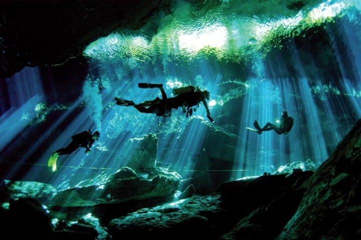 Bucea en una de las cuevas Foto: El democrata