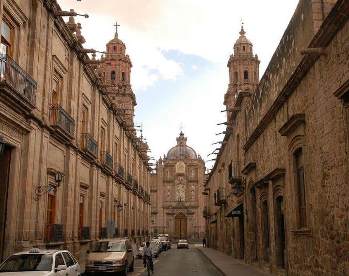 Calle del centro de Morelia. Foto: Gourmet de México.