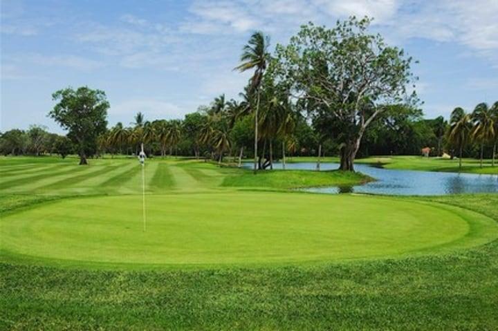 Relájate disfrutando de tu día en el campo de golf  Foto: Grupo Mundo Imperial