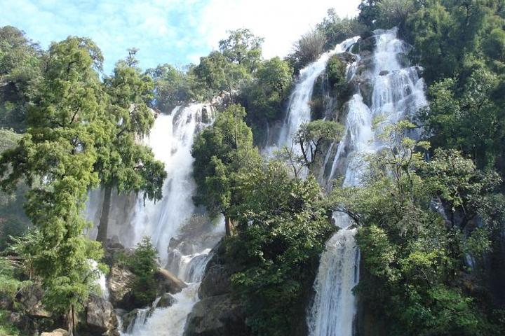 Cascada Esmeralda en el Parque Natural Yosondúa Foto: Diario de la Mixteca