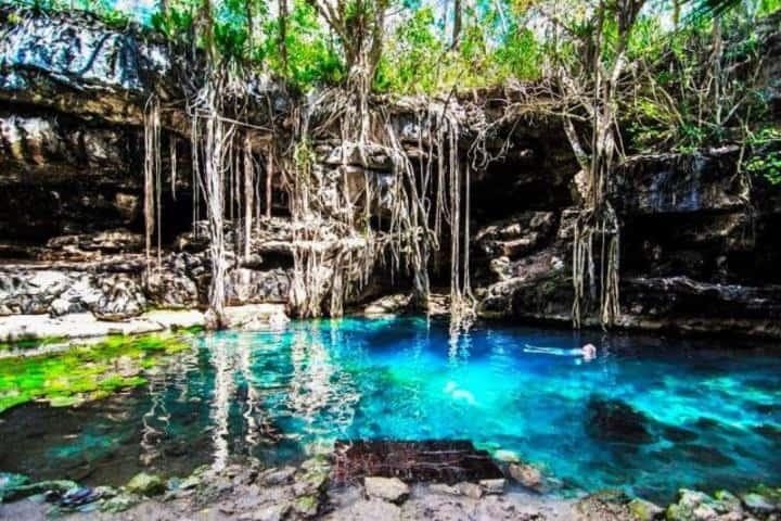 El cenote más azul de todos, obvio X-Batún. Foto: Rincón de Edy
