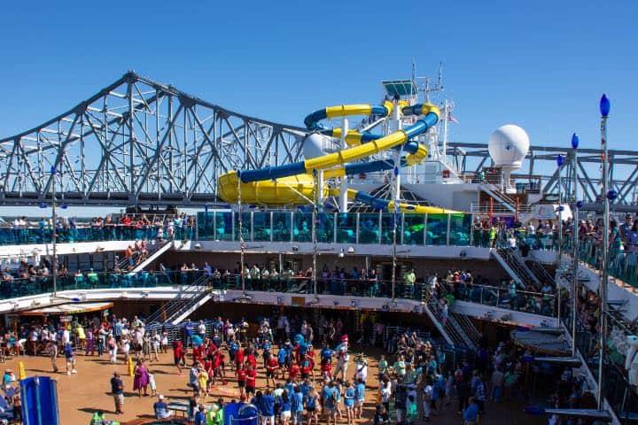 Crucero en Erato Street Terminal de Nueva Orleans Foto: Ronnie Savoie