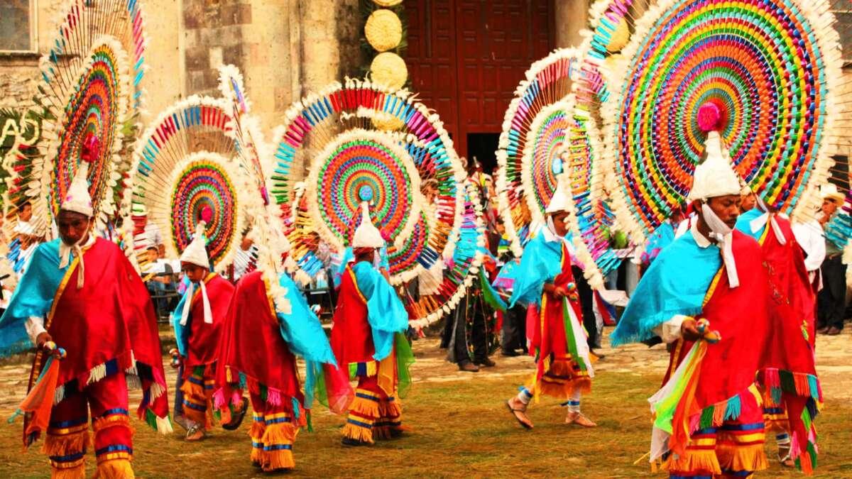 Danza de los quetzales foto google