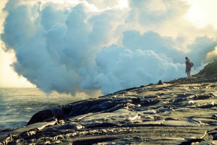 Disfruta de los recorridos en el volcán Kilauea Foto: Jacky Dartier