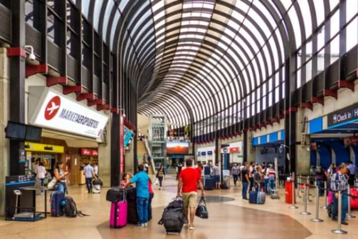 El Aeropuerto de Medellín espera la reactivación del turismo y ofrece seguridad a los viajeros Foto Archivo