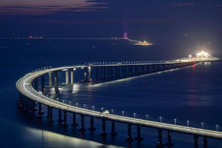 El puente/túnel más largo del mundo. Foto: La Voz del Níquel.