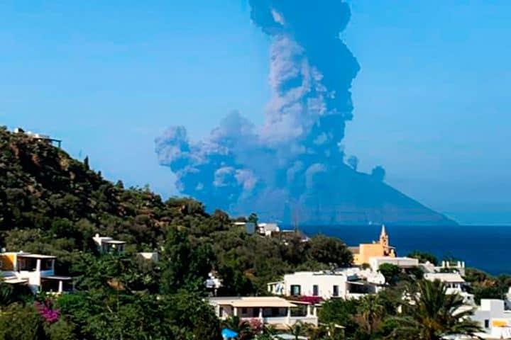 Erupcion del volcan Stromboli Foto: La Tercera