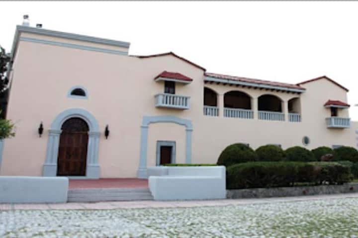 Fachada Ex Hacienda Guadalupe. Foto: UANL
