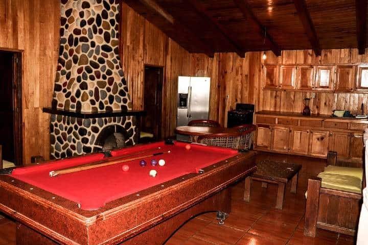 Interior de una cabaña Foto: Cabañas Los Jilgueros