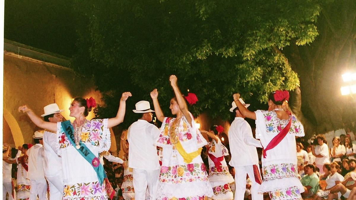 Jarana,_Mérida,_Yucatán,_México (1)