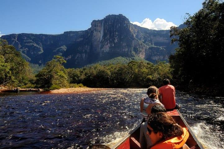 Kayak en Salto Ángel. Foto: Entorno Turístico.