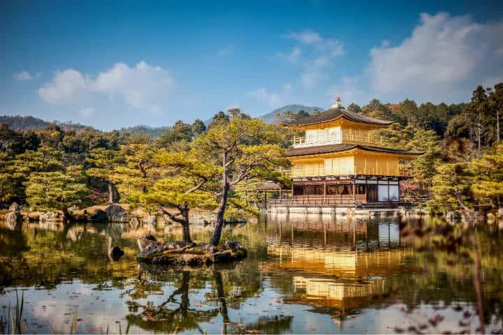 Kioto Kinkaku-ji. Foto Mike Stezycki Unsplash