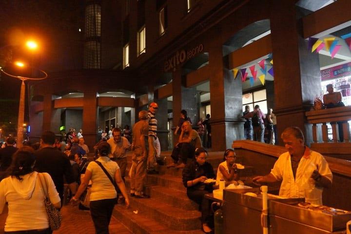 La vida nocturna de Medellín Foto Michael Chow