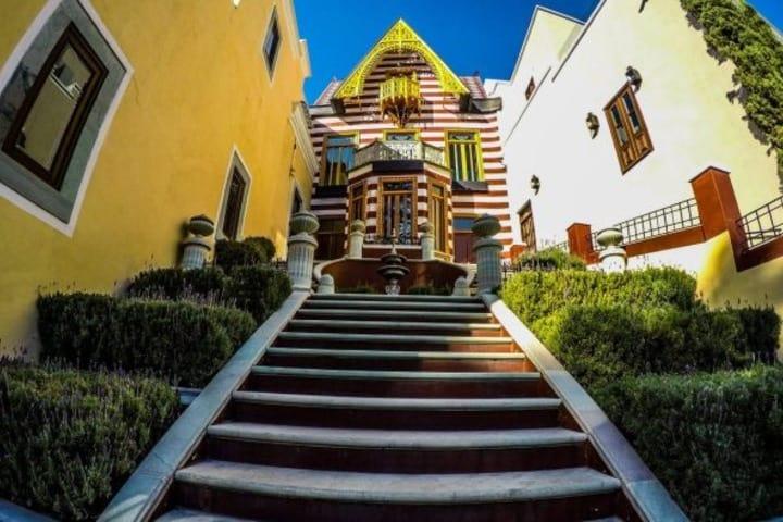 Lo más cerca que puedes estar de la Casa de las Brujas. Foto: Archivo.