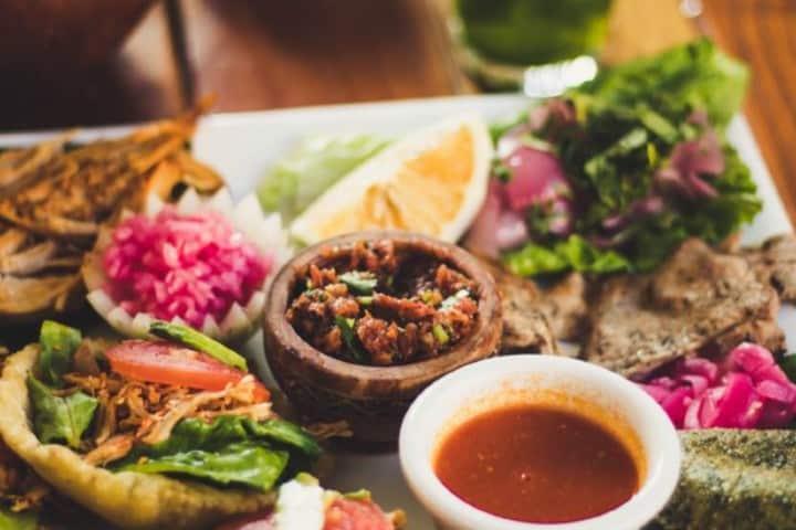 Los deliciosos platillos de Yucatán Foto: Mochileros de Yucatán