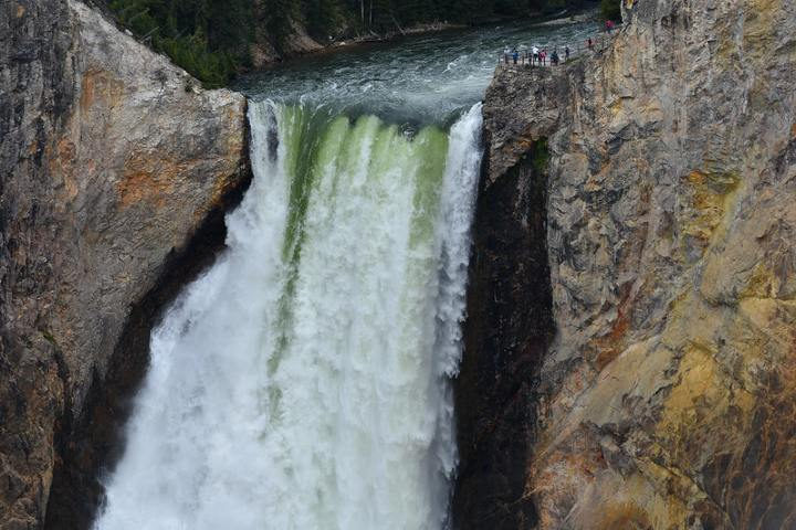 Lower Falls es la más alta en Yellowstone. Foto: Randy R.