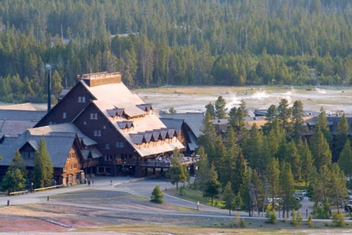 Maravillosa vista del Old Faithful Inn. Foto: Parque nacional de Yellowstone.