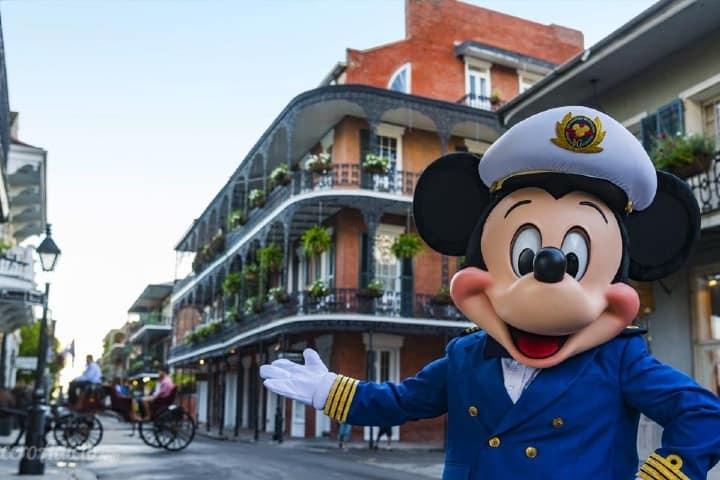 Mickey-anunciando-la-llegada-del-Disney-Wonder-a-Nueva-Orlean_cruceroadicto.com_