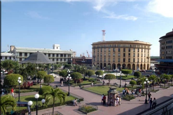 Pasa un fin de semana agradable en la Plaza de la Libertad Foto: El Mañana