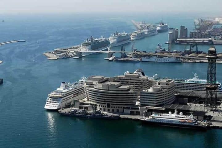 ¿Cuántos barcos crees que quepan en esta terminal? Foto: Cruise Mapper