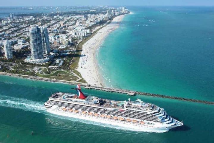 Crucero en Puerto de Miami Foto: El Cronista