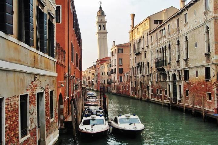 Puerto de Venecia en Italia