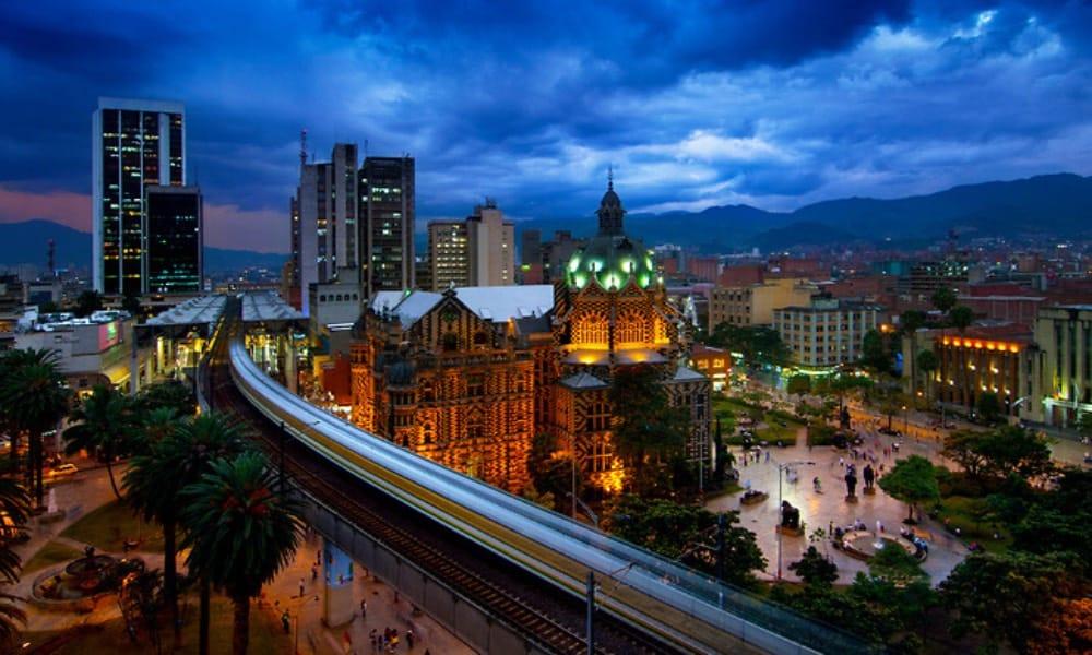 Reactivación del turismo en Medellín Foto Ciudad y Arquitectura