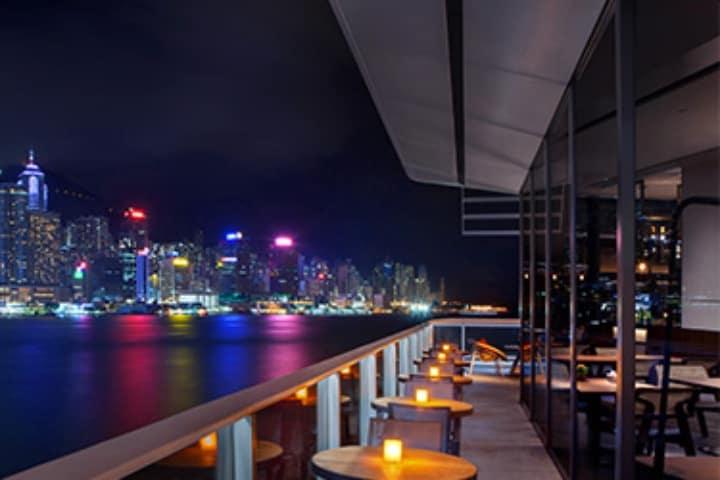 Centro comercial en Terminal Océano Hong-Kong Foto Hong Kong Tourism Board