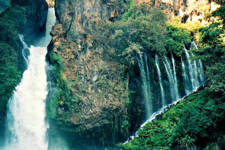 Sorprendente vista de la cascada. Foto: Yesi Santacruz