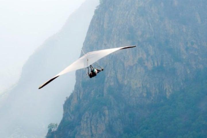Surcar por los aires es posible en el Ala Delta de Valle de Bravo Foto: Vuelo Libre