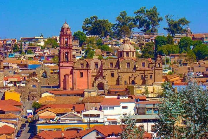 Tlalpujahua Pueblo Mágico de Michoacán Foto: Feria de las esfera de Tlalpujahua | Facebook