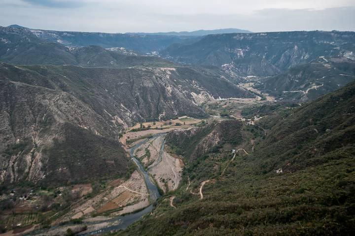 Vista al río de Metztitlán desde Peña del Aire Foto: Gerardo Galíndez