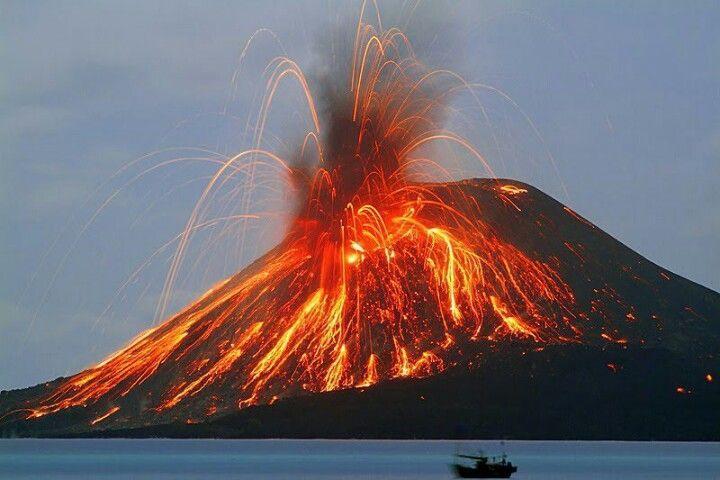 Volcán Stromboli en erupción Foto: Archivo