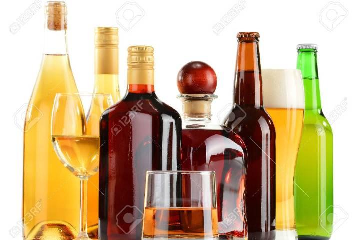Variedad de bebidas en Jet privado Foto: 123RF