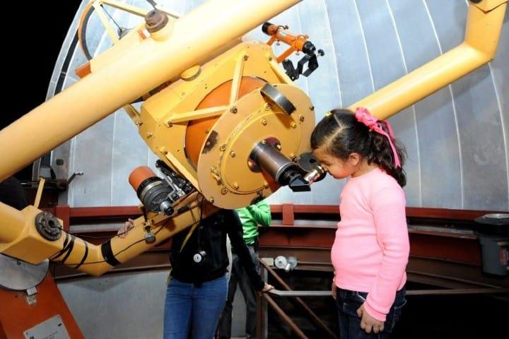 Con el telescopio del Parque Ecológico de Sonora podrás mirar lugares inimaginables Foto: Proyecto Puente