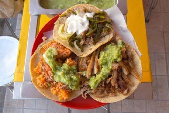 3 tacos de guisado. Foto: City express