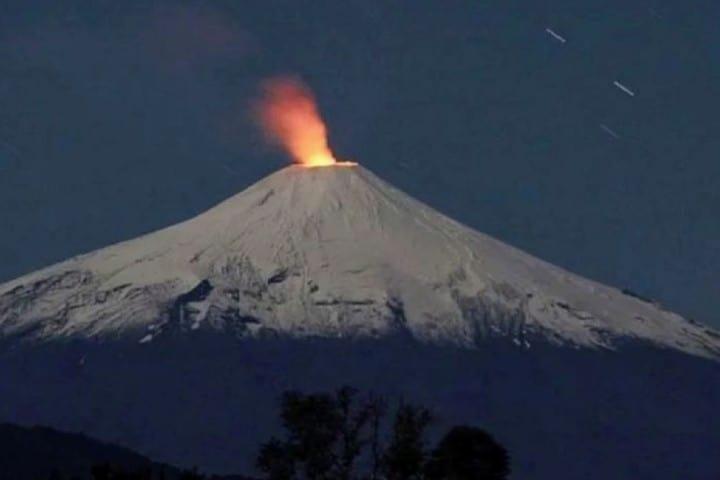 Lava en el Volcán Villarrica Foto: Avalancha Sport