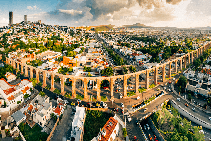 El Acueducto es la representación misma de la ciudad de Querétaro. Foto: Uber