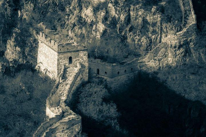 Desde su construcción hasta su preservación, la Muralla China ha sufrido destrozos. Foto: Matt Ming