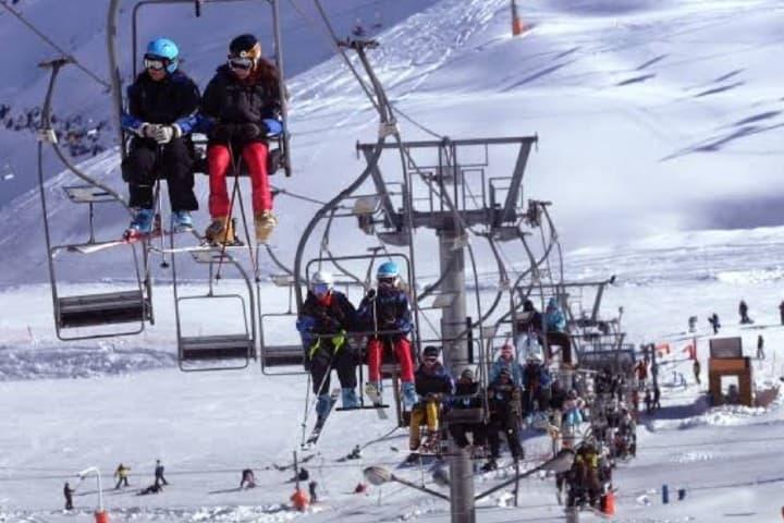 Andarrieles en el campo de Ski Foto: Los 40 Chile