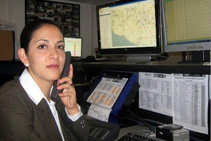 Ángeles Verdes en verano, ayuda para los viajeros. Telefonista. Imagen. MSVNoticias