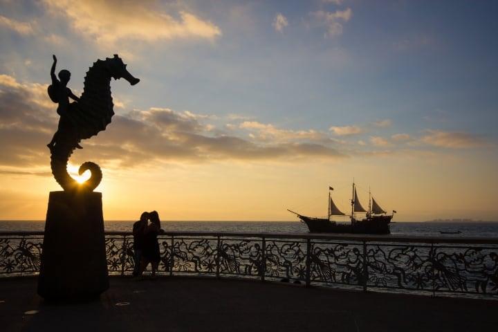 Caballito en el Malecón Foto: Visita Puerto Vallarta