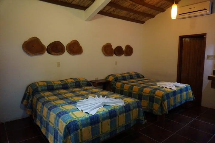Descansa en las cómodas cabañas. Foto: Cabañas Safari