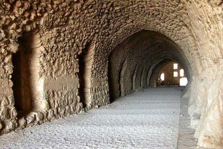 Catacumbas dentro del castillo Karak en Jordania. Foto: Dennis Jarvis
