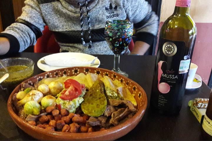 Comida en el restaurante el Pecado, ¿Ya sabes dónde comer en Tequisquiapan? Foto: Buena Comida